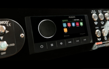 Apollo award winning innovation re-embodied – NEW Apollo RA670 Marine Stereo