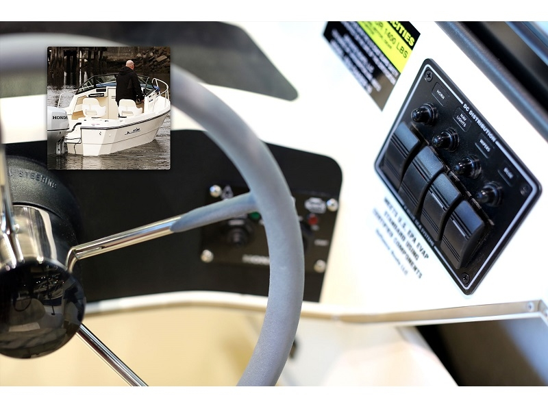 8372 - Water Resistant Circuit Breaker Panel 4 Position-Black